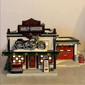VNTG Harley-Davidson Motorcycle Shop Department 56